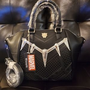 NICE Loungefly Black Panther Purse